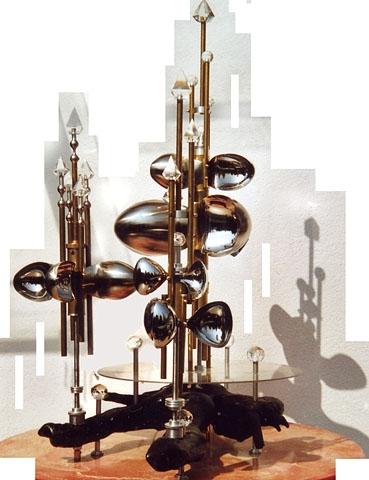 """WINDRAD"" Skulptur aus Metall, Glas und Holz, 110 x 90 cm"